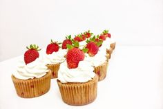 Cupcakes | Golden Dot