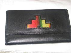 Schwarze #Leder #Geldbörse mit vielen Kreditkarten Fächern.