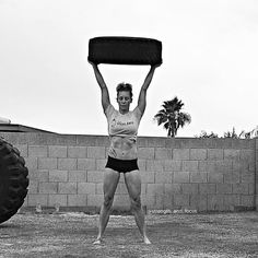 Holy  if you don't already follow Jenne Dillard of  @strength_and_focus then I suggest heading over to her Insta! She is actually one of the most motivation inspirational and bad ass women I follow and I love watching her workout and stretch/yoga videos as they just get you fired up to work towards her fitness and balance level!  Jenna is like her Insta handle suggests hardcore strong and unbelievably focused something I am working towards. My #womancrush for today