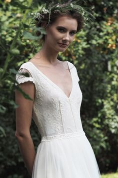We mainly produce boho and classic style, but are very open to the needs of our customers. We make custom made of very high quality fabrics and lace. Cool, Neue Trends, Bridal Dresses, Classic Style, White Dress, Anniversary, Bride, Beautiful, Lace