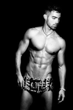 Joe Jonas....OMG!!! Damnit!!! HOT!!!