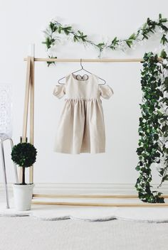 5 Friday Faves: Week of - The Cuteness - - Fall fashion for kids. Cutest cold shoulder dress for toddlers! Source by cuteheads Fall Fashion Outfits, Kids Fashion, Autumn Fashion, Toddler Fashion, Toddler Dress, Baby Dress, Toddler Girls, Fashion Photography, Baby Outfits