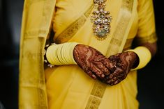 Gorgeous Anand Karaj At Home With A Bride Who Designed Her Own Bridal Outfits Indian Wedding Planning, Wedding Planning Websites, Anand Karaj, Grass Decor, Sikh Bride, Pink Lehenga, Indian Wedding Jewelry, Groom Wear, Civil Ceremony
