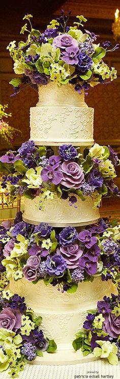 Purple and green wedding cake Elegant Wedding Cakes, Elegant Cakes, Beautiful Wedding Cakes, Gorgeous Cakes, Wedding Cake Designs, Pretty Cakes, Cute Cakes, Wedding Cake Toppers, Amazing Cakes