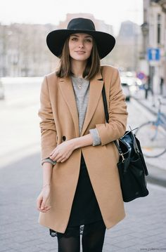 GREY AND CAMEL PERFECTION - Polienne