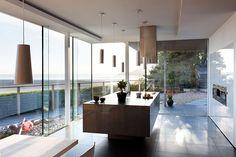 Open kitchen with view - Cuisine ouverte avec vue