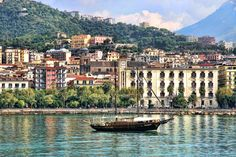 @AccademiaItal offers an intensive program in Salerno over the Easter period. Read more  http://www.accademia-italiana.it/en/easter-program.html