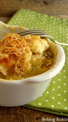 Cauliflower au gratin with cheese - Blansírozott karfiol besamelmártással és sajttal Fruits And Vegetables, Kids Meals, Macaroni And Cheese, Chili, Ethnic Recipes, Food, Kitchen, Mac And Cheese, Cooking