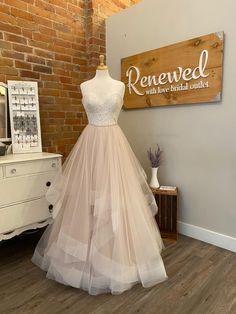 Buy Wedding Dress, Wedding Dresses, July 18th, Stella York, Dream Wedding, Size 12, Flower Girl Dresses, Wedding Ideas, Bridal
