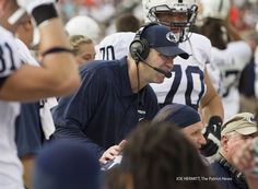 PENN STATE – FOOTBALL 2013 – Penn State coach Bill O'Brien talks to his offense during the second quarter at MetLife Stadium. Penn State beat Syracuse, 23-17.