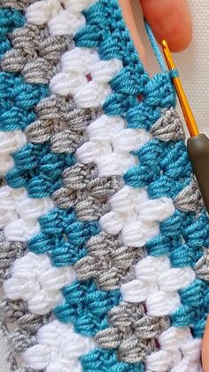 Crochet Throw Pattern, Crochet Square Patterns, Crochet Stitches Patterns, Crochet Designs, Knitting Patterns, Unique Crochet Stitches, Crochet Dog Sweater Free Pattern, Knit Vest Pattern, Mode Crochet