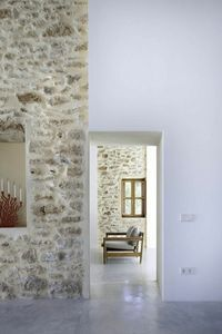pretty house with fake stone wall and wax concrete floor Stone Interior, Modern Interior, Interior Architecture, Fake Stone Wall, Stone For Walls, Exterior Design, Interior And Exterior, Stone Wall Design, Stone Houses