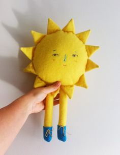 DIY sunshine softie - would look adorable on a nursery room wall xx