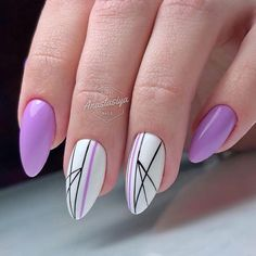Line nail art designs is probably the simplest way to achieve a unique nail style. The versatility of these nail designs allows you to choose a unique set of options. Black and white nails are common in line nail art designs, perhaps because they loo Purple Nail Designs, Pretty Nail Designs, Nail Art Designs, Spring Nails, Summer Nails, Line Nail Art, Lines On Nails, Nail Design Video, Purple Nails