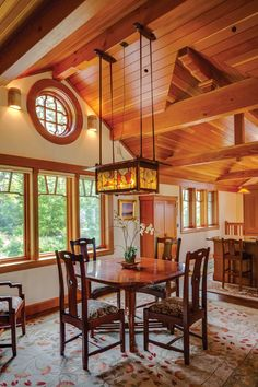 This serial restorer of old houses decided to build new—owing to a personal connection to the Gamble House. Craftsman Dining Room, Craftsman Interior, Craftsman Houses, Gamble House, House Journal, Arts And Crafts Furniture, Building Design, Victorian Homes, My Dream Home