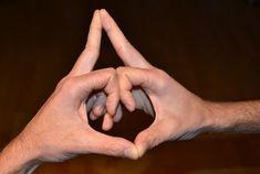 Mudras, Holding Hands, Funguje To, Google, Fitness, Yoga Tips, Spirituality, Health, Horoscope