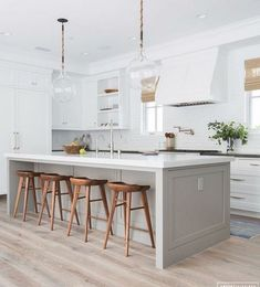 What makes a beautiful modern farmhouse kitchen? Here we feature some of the most prevalent, and important, key elements of modern farmhouse kitchen design that we are seeing in some of the most stunning kitchens today Grey Kitchens, Modern Farmhouse Kitchens, Home Kitchens, Rustic Kitchen, Small Kitchens, Farmhouse Style, Home Decor Kitchen, Kitchen Interior, New Kitchen