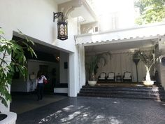 Photos of Chateau Marmont - Los Angeles, CA. The entrance and garage to famous Chateau Marmont Hollywood Chateau Marmont Los Angeles, My House, Entrance, Marquis, Places, Home Decor, Entryway, Decoration Home, Marquess