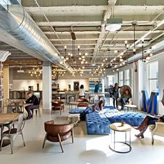 Originally situated on a suburban business campus in Illinois, Motorola Mobility partnered with Gensler to lead the programming, design and...