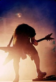 Dimebag - brilliant musician with so much to give the world.. :(