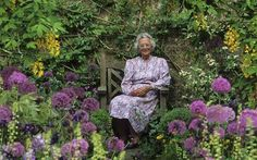 It is now almost a decade since the death of Rosemary Verey, gardener-owner of   Barnsley House, Gloucestershire.