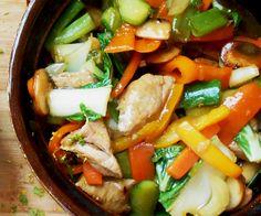 Home made Tjap Tjoy ~ piccanti. Home made Tjap Tjoy ~ piccanti. Dutch Recipes, Asian Recipes, Healthy Recipes, Ethnic Recipes, Indonesian Food, Indonesian Recipes, Caribbean Recipes, Slow Cooker, Dinner Menu