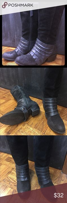 Black leather boots Black leather and suede combined boots Shoes