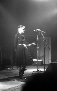 Liz Frazer of Cocteau Twins Goth Music, 80s Music, Cocteau Twins, Nostalgia, We Will Rock You, Idole, New Romantics, Punk Goth, Post Punk