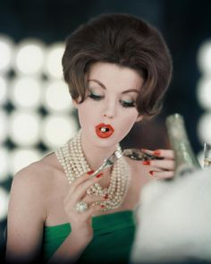 Photograph by Karen Radkai for Vogue US May 1960 #inspiration #blog #blogger #tumblr #fashion #style #models #photography #vogue http://www.midnight-charm.com/