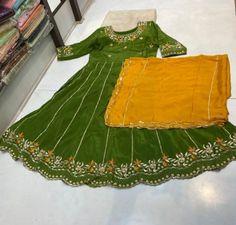 Party Wear Indian Dresses, Pakistani Fashion Party Wear, Designer Party Wear Dresses, Indian Gowns Dresses, Ladies Suits Indian, Suits For Women, Stylish Dress Designs, Stylish Dresses, Shalwar Kameez