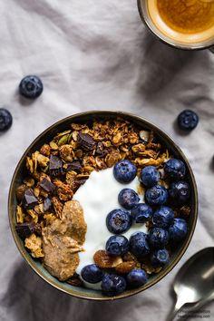 #vegan chocolate coconut almond granola recipe #glutenfree #crunchy - ricetta granola vegan cioccolato cocco e mandorle croccante senza glutine