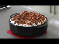 Apple Spice Cake with the Rockcrok Everyday Pan | Pampered Chef - YouTube