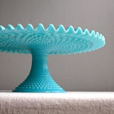 Fenton Turquoise Blue Hobnail Milk Glass Cake Stand, Wedding Cake Plate Or similar. Must be Hobnail AND turquoise. Fenton Glassware, Vintage Glassware, Vintage Dinnerware, Milk Glass Cake Stand, Pastel Cupcakes, Vintage Cake Stands, Vintage Cake Plates, Dessert Aux Fruits, Glass Cakes