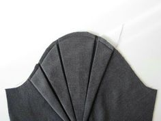 Tucks sleeve detail