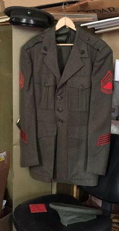 Included is the cap with a sterling silver USMC insignia, the jacket and an ID card from The photos are a good representation of the condition. Marines Uniform, Marine Corps Officer, Usmc, Wwii, Vintage Clothing, Vintage Outfits, Howard Charles, Foot Locker, Green Jacket