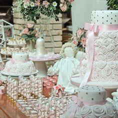 Como não se apaixonar por essa mesa linda!!! 💕 #batizadodenina #batizado #festalinda #decoracao #decoracaodebatizado #festalinda #festainfantil #ideias #inspiracao #personalizados #lembrancinhas