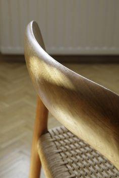 Danish Chair / photo: Niclas Warius for MOMO Danish Chair, Scandinavian Design, Mid-century Modern, Chairs, Mid Century, Furniture, Beautiful, Products, Home Furnishings