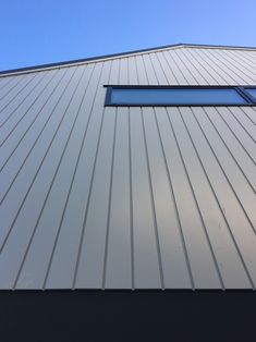 The clean lines on our Vulcan Primed Cladding (paint finish) Cladding Materials, Timber Cladding, Modern Barn House, Paint Finishes, Dream Houses, Clean Lines, Natural Wood, Skyscraper, Multi Story Building