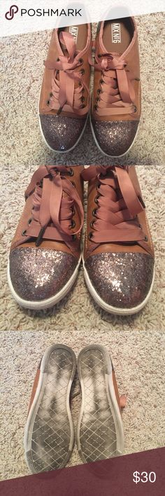 Gold Toe Ribbon Lace Up Shoes Casual shoe perfect for spring and summer! Comfy and great for everyday! LIKE NEW! No scratches! Gold glitter toes and back edge of the shoe! 😇😇😇 Mix No. 6 Shoes Sneakers