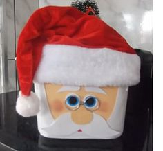 Ice cream containers become Santa gift boxes