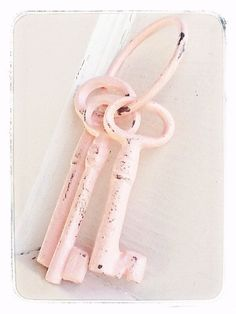 Pretty in Pink Vintage Shabby Chic 3 Cast Iron