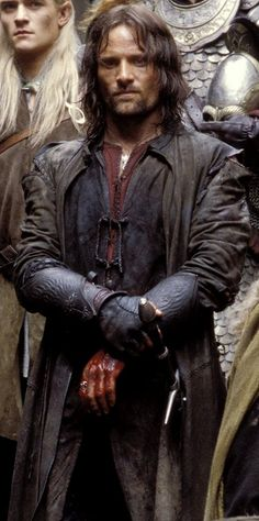 Viggo Mortensen as Aragorn in The Lord of the Rings (and Legolas is hawt too!)