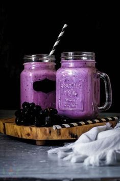 Fruit smoothies are a popular refreshment not only for adults but even for the little ones as well. With their natural sweet flavors, it is no wonder that many children love fruit smoothies and can… Grape Smoothie, Smoothie Blender, Yogurt Smoothies, Juice Smoothie, Breakfast Smoothies, Smoothie Drinks, Healthy Smoothies, Healthy Drinks, Smoothie Recipes