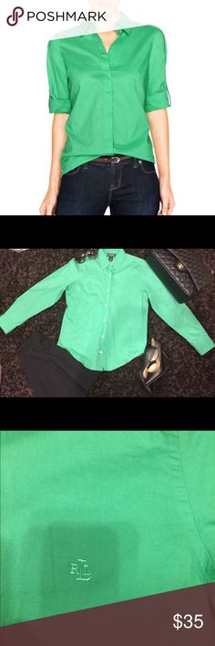 Lauren Ralph Lauren Cotton Poplin Shirt- Green This is a gently worn women's Lauren by Ralph Lauren bottom down shirt. It is great condition and looks as if it has never been worn. It is Ralph Lauren's Cotton Poplin style shirt which is loved my many for its comfortable fit and classy look. It has no stains or holes and comes from a pet-free and smoke-free home. It can worn everywhere from a sports event to the office. You can't go wrong with this piece! Lauren Ralph Lauren Tops Button Down…