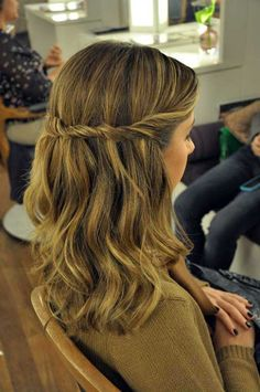 Twist back half up Hairstyles For School, Everyday Hairstyles, Cute Hairstyles, Wedding Hairstyles, Hair Growth Tips, Hair Care Tips, Foto Pose, How To Make Hair, Hair Goals