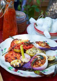 Rezept: Gefüllte Zwiebeln und Kartoffeln vom Grill