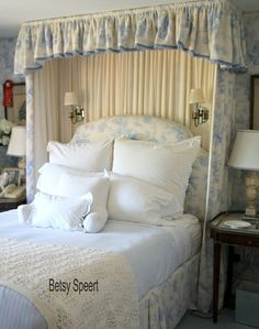 Another shot of Betsy's lovely bedroom--love the half tester and upholstered headboard
