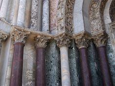 Capitells i columnes de la façana de la basílica de sant Marc de Venècia