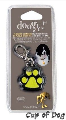 Pendentif Patte lumineux https://www.cupofdog.fr/collier-harnais-chihuahua-petit-chien-xsl-243.html