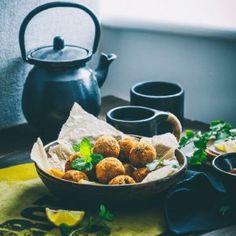 Sandhya's Kitchen - Quick & Easy Vegetarian Recipes Aloo Tikki Recipe, Bhaji Recipe, Strawberry Salsa, Fruit Salsa, Vegetarian Recipes Easy, Indian Food Recipes, Mixture Recipe, Sabudana Khichdi